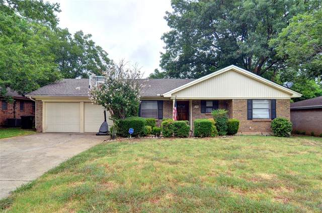 1204 Hemphill Drive, Cleburne, TX 76033 (MLS #14406569) :: Real Estate By Design