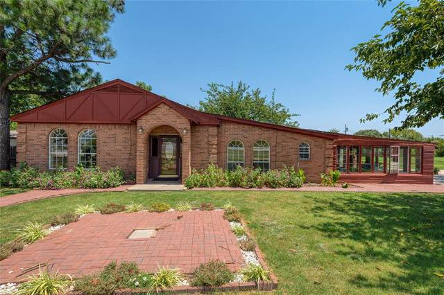 6900 Midway Road, Springtown, TX 76082 (MLS #14406698) :: NewHomePrograms.com LLC