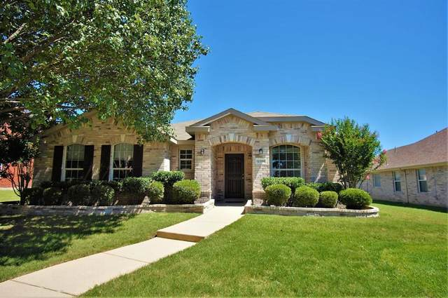 12398 Ridgetop Circle, Frisco, TX 75035 (MLS #14406945) :: Tenesha Lusk Realty Group