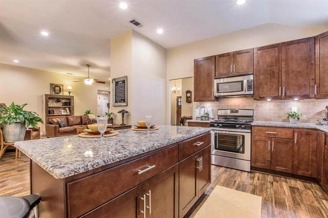 1557 Glenmore Drive, Lewisville, TX 75077 (MLS #14406972) :: Frankie Arthur Real Estate