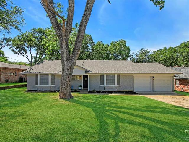 1319 E Sherman Drive, Denton, TX 76209 (MLS #14406986) :: The Mauelshagen Group