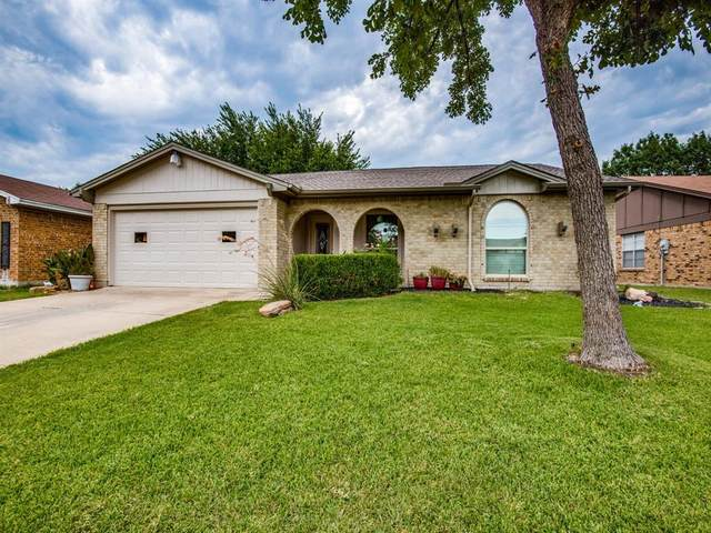 1727 Overbrook Drive, Arlington, TX 76014 (MLS #14408376) :: RE/MAX Pinnacle Group REALTORS