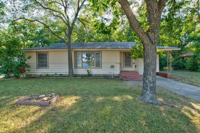 1008 S Walnut Street, Cleburne, TX 76033 (MLS #14409033) :: Maegan Brest   Keller Williams Realty