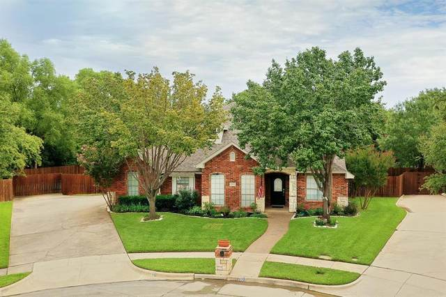 7933 Sheffield Court, North Richland Hills, TX 76182 (MLS #14409055) :: The Mitchell Group
