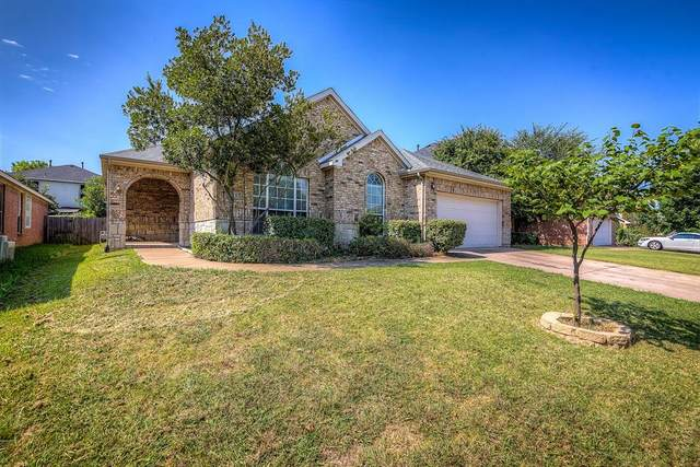 2747 Sedgemoor Drive, Grand Prairie, TX 75052 (MLS #14409056) :: The Mitchell Group