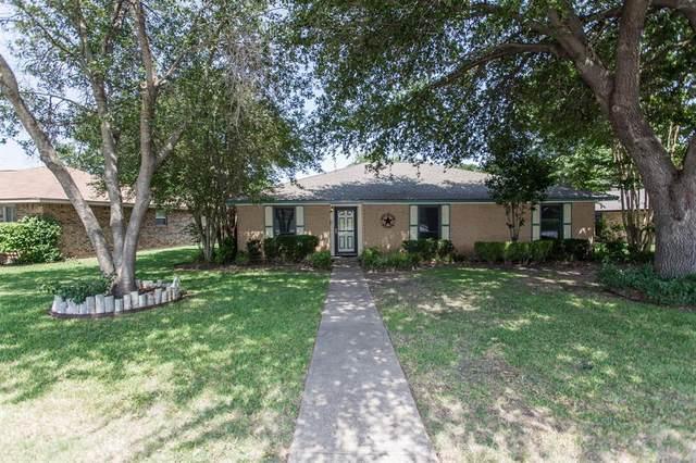 401 Meadow Ridge Drive, Cedar Hill, TX 75104 (MLS #14409237) :: Trinity Premier Properties