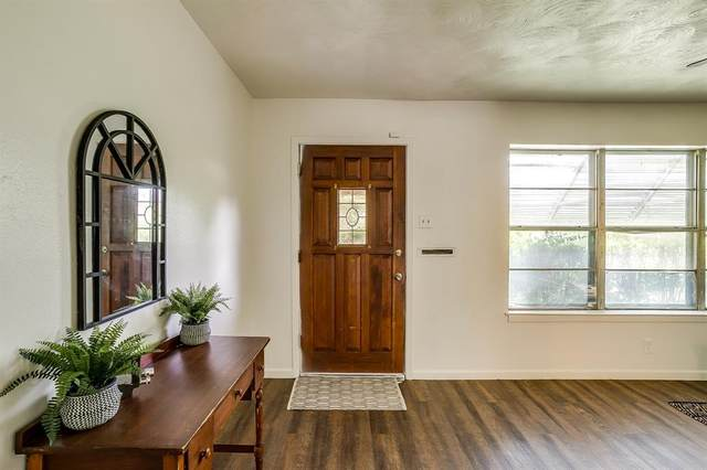 5132 Roberta Drive, North Richland Hills, TX 76180 (MLS #14409335) :: Team Hodnett