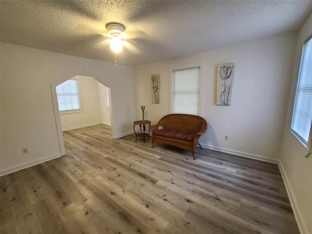 801 N Brazos Street, Whitney, TX 76692 (MLS #14409341) :: The Mauelshagen Group