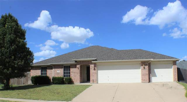 420 Bretts Way, Burleson, TX 76028 (MLS #14409647) :: Hargrove Realty Group