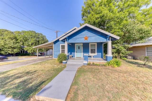 416 N Brazos Street, Weatherford, TX 76086 (MLS #14409685) :: NewHomePrograms.com LLC