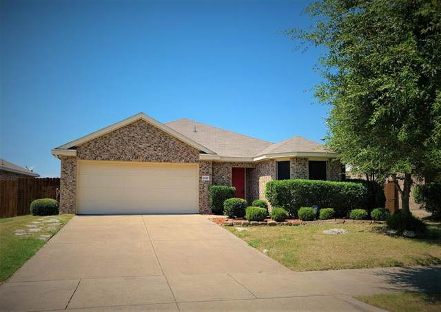 2037 Stagecoach Trail, Heartland, TX 75126 (MLS #14409782) :: The Heyl Group at Keller Williams