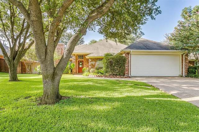 1108 Shady Hill Lane, Burleson, TX 76028 (MLS #14410251) :: The Kimberly Davis Group
