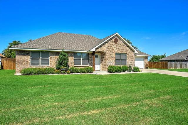800 Joggers Trail, Collinsville, TX 76233 (MLS #14410269) :: The Heyl Group at Keller Williams