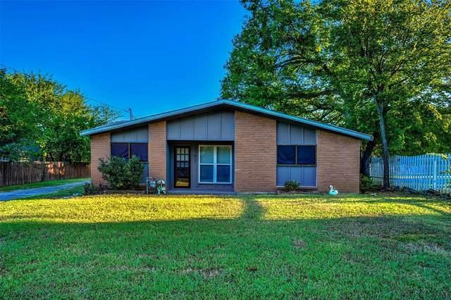 514 W Walcott Street, Pilot Point, TX 76258 (MLS #14410452) :: Frankie Arthur Real Estate