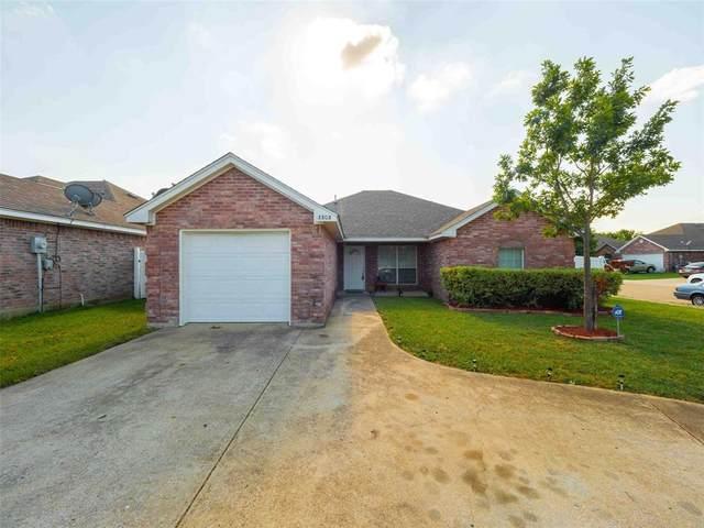 3303 Shining Light Drive, Dallas, TX 75228 (MLS #14410536) :: Maegan Brest | Keller Williams Realty