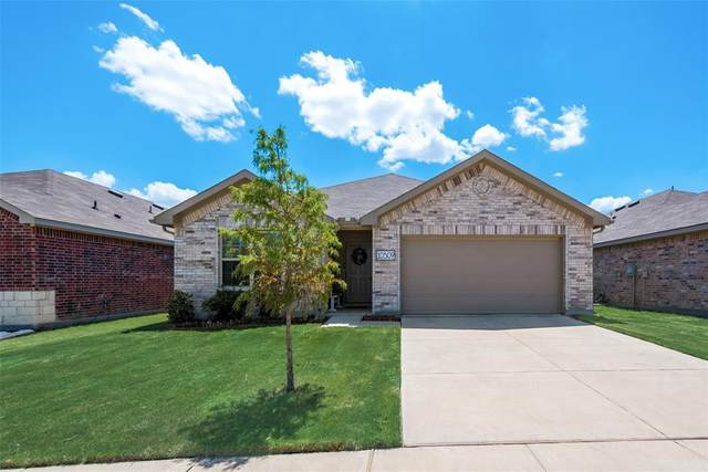 10509 Hartley Lane, Fort Worth, TX 76108 (MLS #14410861) :: The Heyl Group at Keller Williams