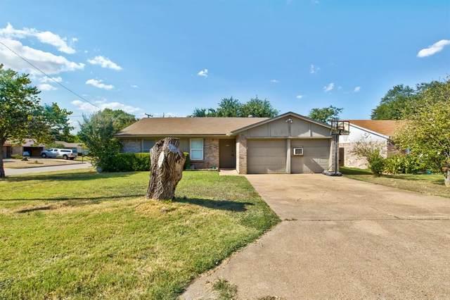301 E Hampton Road, Crowley, TX 76036 (MLS #14411009) :: The Heyl Group at Keller Williams