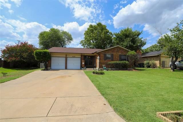 1124 Patricia Drive, Sherman, TX 75090 (MLS #14411283) :: The Kimberly Davis Group