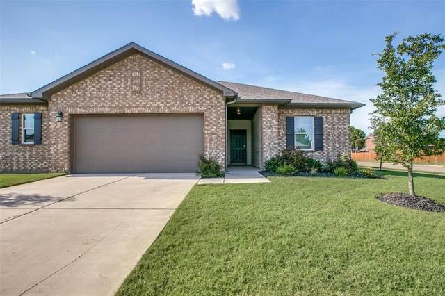 401 Willow Creek Drive, Glenn Heights, TX 75154 (MLS #14411415) :: NewHomePrograms.com LLC