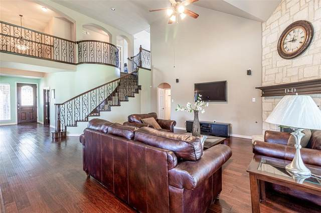 600 Summerwood Court, Desoto, TX 75115 (MLS #14412140) :: The Heyl Group at Keller Williams