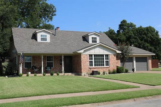 1501 W Shields Drive, Sherman, TX 75092 (MLS #14412144) :: NewHomePrograms.com LLC