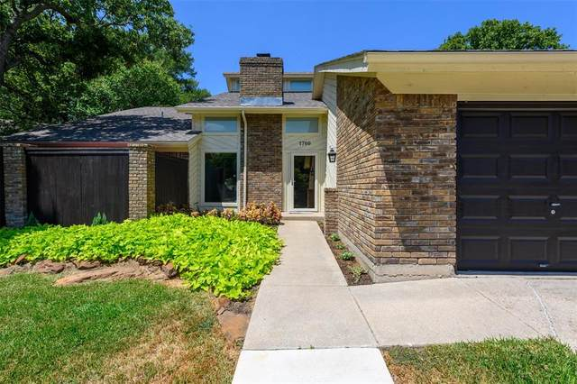 1700 Bedford Oaks Court, Bedford, TX 76021 (MLS #14412661) :: The Heyl Group at Keller Williams