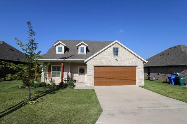 2301 Shady Oaks Lane, Sherman, TX 75092 (MLS #14413204) :: The Kimberly Davis Group