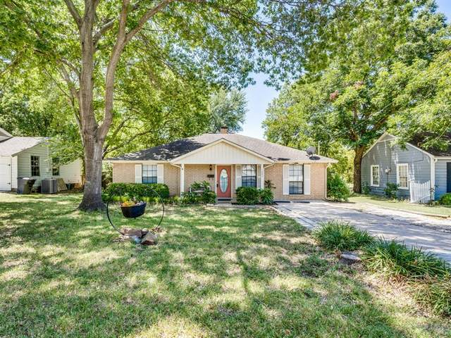 1207 W Marvin Avenue, Waxahachie, TX 75165 (MLS #14413209) :: The Heyl Group at Keller Williams