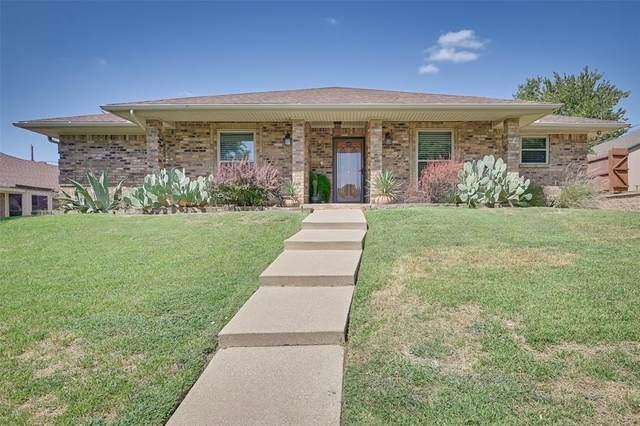 907 Briarcliff Court, Arlington, TX 76012 (MLS #14413324) :: The Heyl Group at Keller Williams