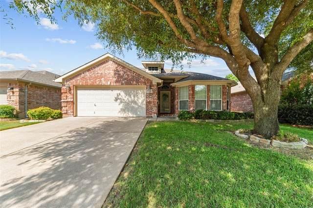 1826 Manor Ridge Way, Fort Worth, TX 76120 (MLS #14413455) :: NewHomePrograms.com LLC
