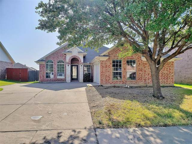 804 Chestnut Avenue, Burleson, TX 76028 (MLS #14413588) :: Century 21 Judge Fite Company
