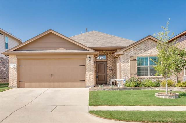 725 Wylie Street, Crowley, TX 76036 (MLS #14414112) :: The Heyl Group at Keller Williams