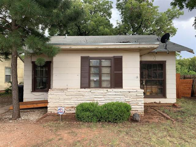 3017 S 7th Street, Abilene, TX 79605 (MLS #14414421) :: The Paula Jones Team | RE/MAX of Abilene