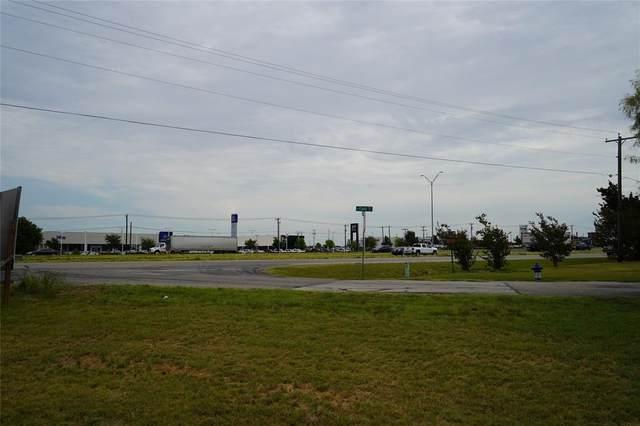 365 N Field Street, Burleson, TX 76028 (MLS #14415844) :: The Kimberly Davis Group