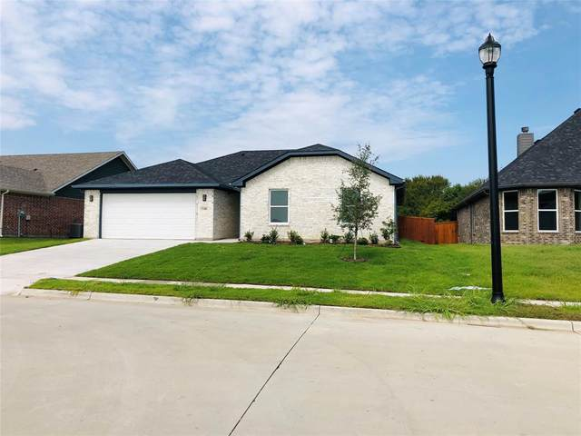 1100 Silverton Drive, Sherman, TX 75092 (MLS #14415988) :: RE/MAX Landmark