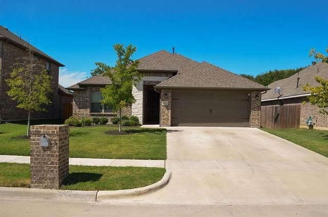 724 Ravenwood Drive, Saginaw, TX 76179 (MLS #14417204) :: The Tierny Jordan Network