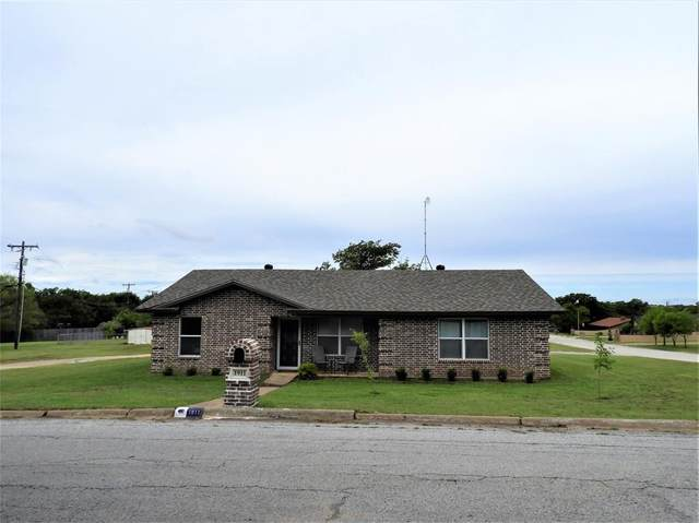 1911 Timberlane, Jacksboro, TX 76458 (MLS #14421364) :: The Chad Smith Team