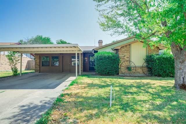 7532 Meadowlark Lane N, Watauga, TX 76148 (MLS #14423735) :: The Mitchell Group