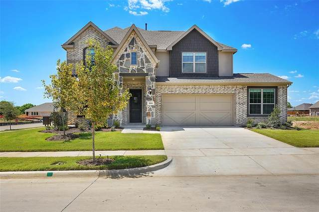 2601 Dancing Flame Drive, Denton, TX 76201 (MLS #14424153) :: Potts Realty Group