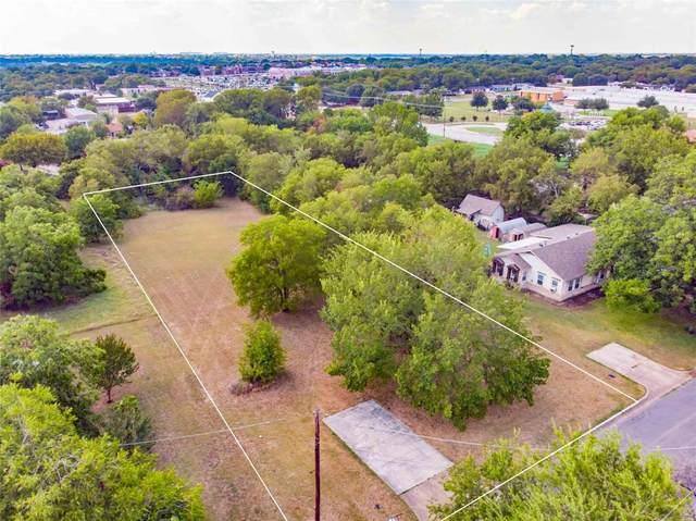 4017 Scruggs Drive, North Richland Hills, TX 76180 (MLS #14424292) :: The Kimberly Davis Group