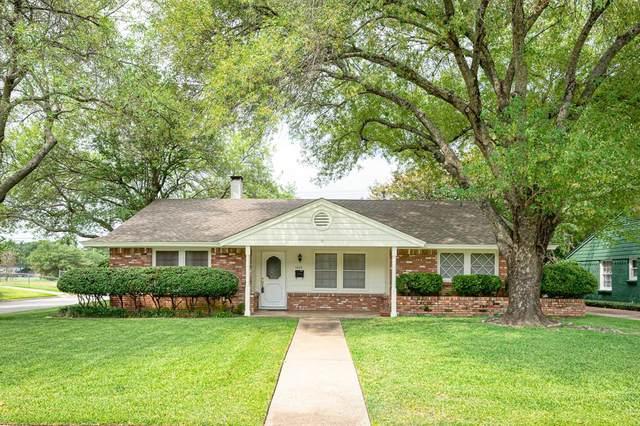 1012 Waggoner Drive, Arlington, TX 76013 (MLS #14424770) :: Team Tiller