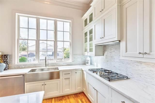 7333 Valley View Lane #401, Dallas, TX 75240 (MLS #14425498) :: The Hornburg Real Estate Group