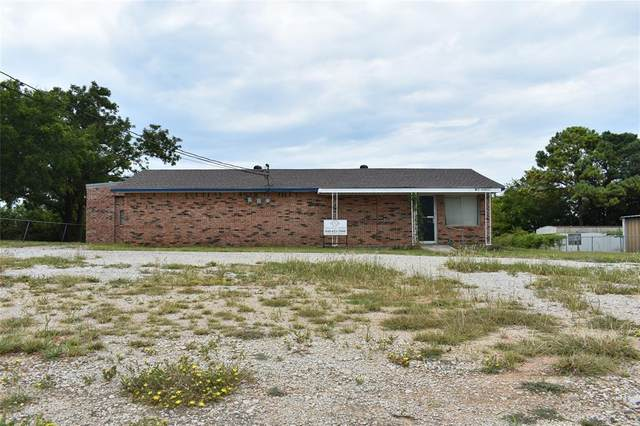 504 Pelham Street, Bowie, TX 76230 (MLS #14425644) :: The Mauelshagen Group