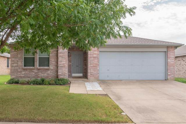1912 Copper Mountain Drive, Fort Worth, TX 76247 (MLS #14425981) :: Frankie Arthur Real Estate