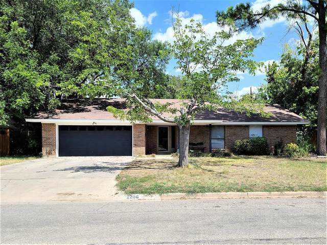 2206 10th Street, Brownwood, TX 76801 (MLS #14426730) :: The Mauelshagen Group