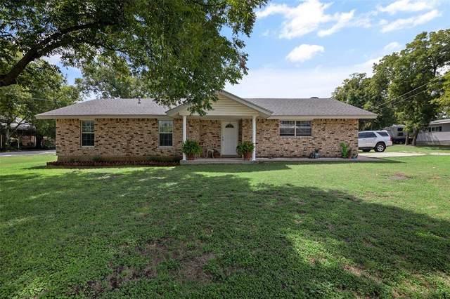 190 E Russell Street, Rhome, TX 76078 (MLS #14428184) :: Justin Bassett Realty