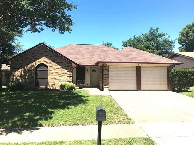 8009 Berrybrook Drive, Watauga, TX 76148 (MLS #14428839) :: Frankie Arthur Real Estate