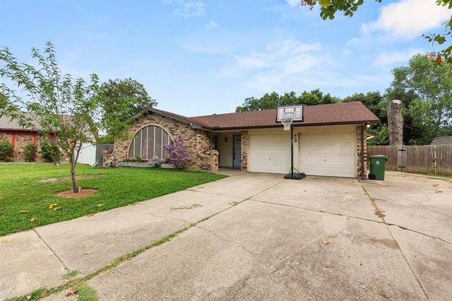 810 Lynnfield Drive, Arlington, TX 76014 (MLS #14429407) :: North Texas Team | RE/MAX Lifestyle Property