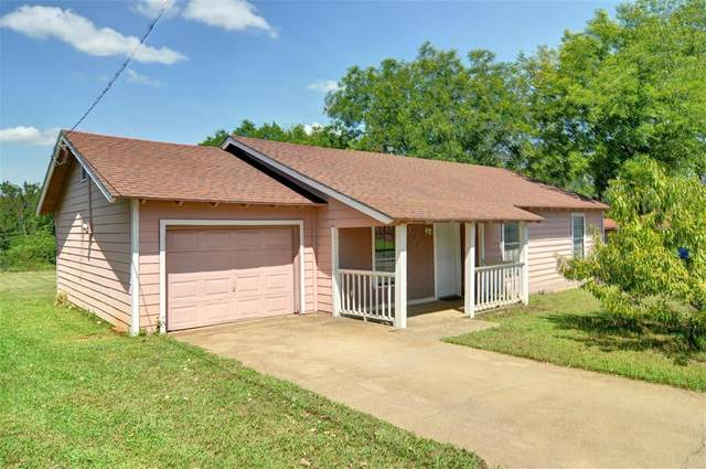 300 E 3rd Street, Keene, TX 76059 (MLS #14429549) :: The Kimberly Davis Group
