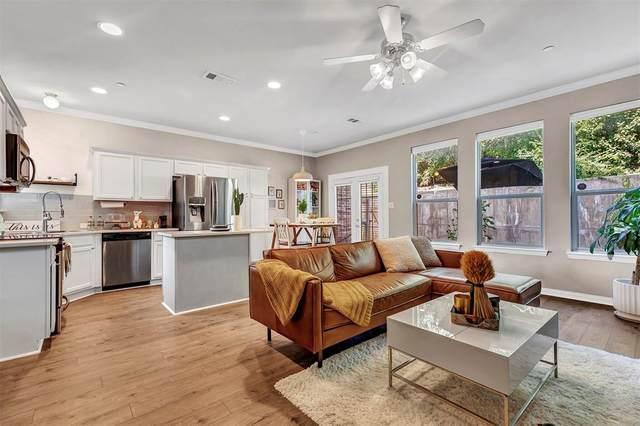 2121 Parkview, Carrollton, TX 75006 (MLS #14429848) :: The Hornburg Real Estate Group